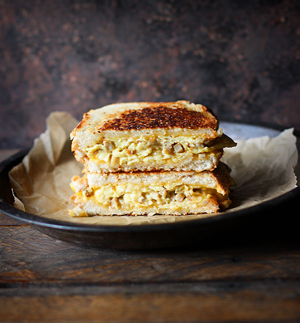 Breakfast Grilled Cheese | SoupAddict.com