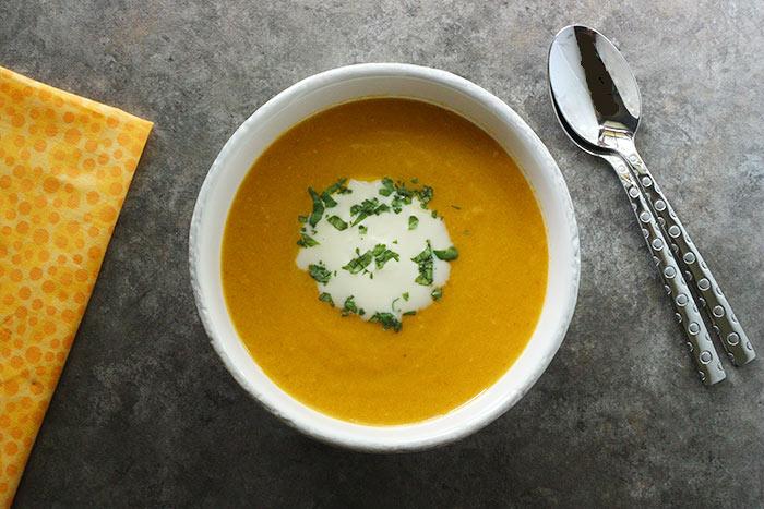 Carrot Ginger Soup | SoupAddict.com