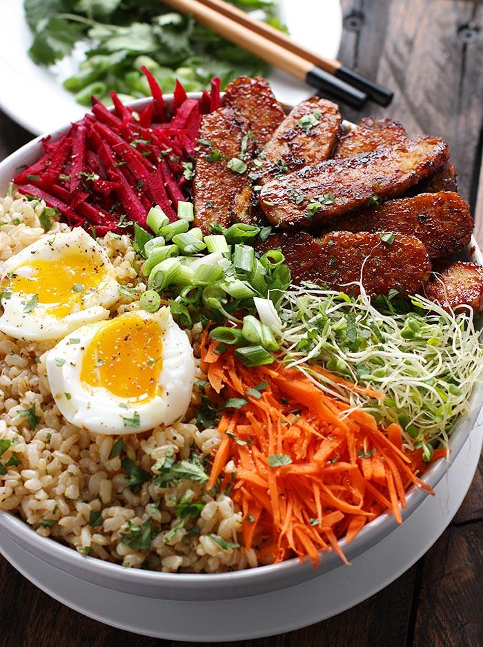 Smoky Tempeh Vegetable and Rice Bowl | SoupAddict.com