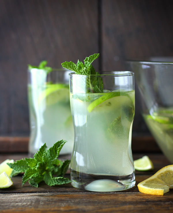 Karen's Zesty Lemon Lime Mojitos from SoupAddict.com - bright and refreshing with an extra special ingredient.